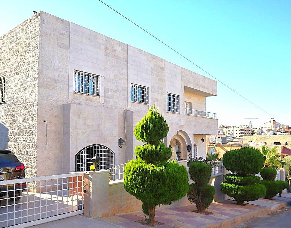 2 BD Charming Apartment In Friendly And Safe Area