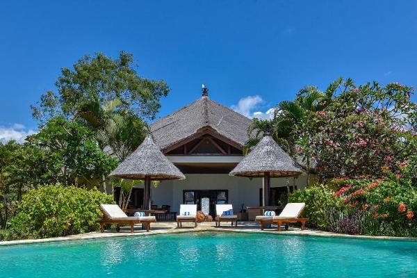 Villa Lumba - Lumba - Private Beachfront Villa Bali