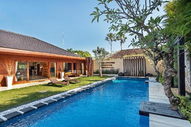Spacious 3 BR CC Villa for Family at Seminyak