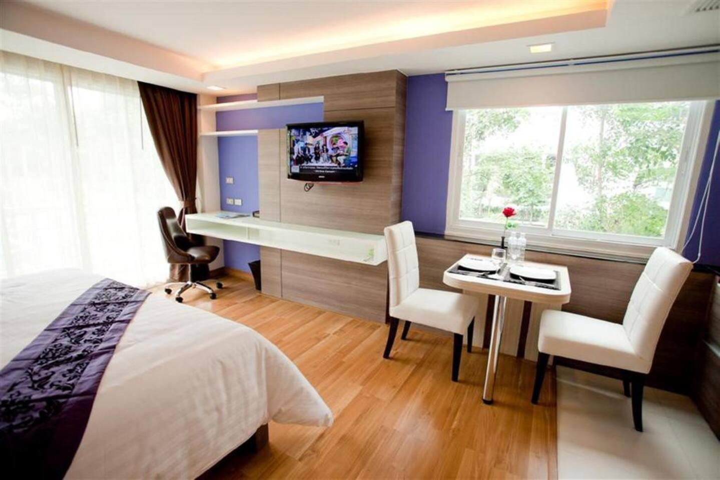 Studio apartment near Asoke BTS Skytrain สตูดิโอ อพาร์ตเมนต์ 1 ห้องน้ำส่วนตัว ขนาด 35 ตร.ม. – สุขุมวิท