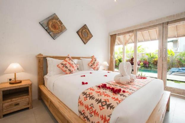 Peaceful Fancy Double Bed Room with Pool in Canggu