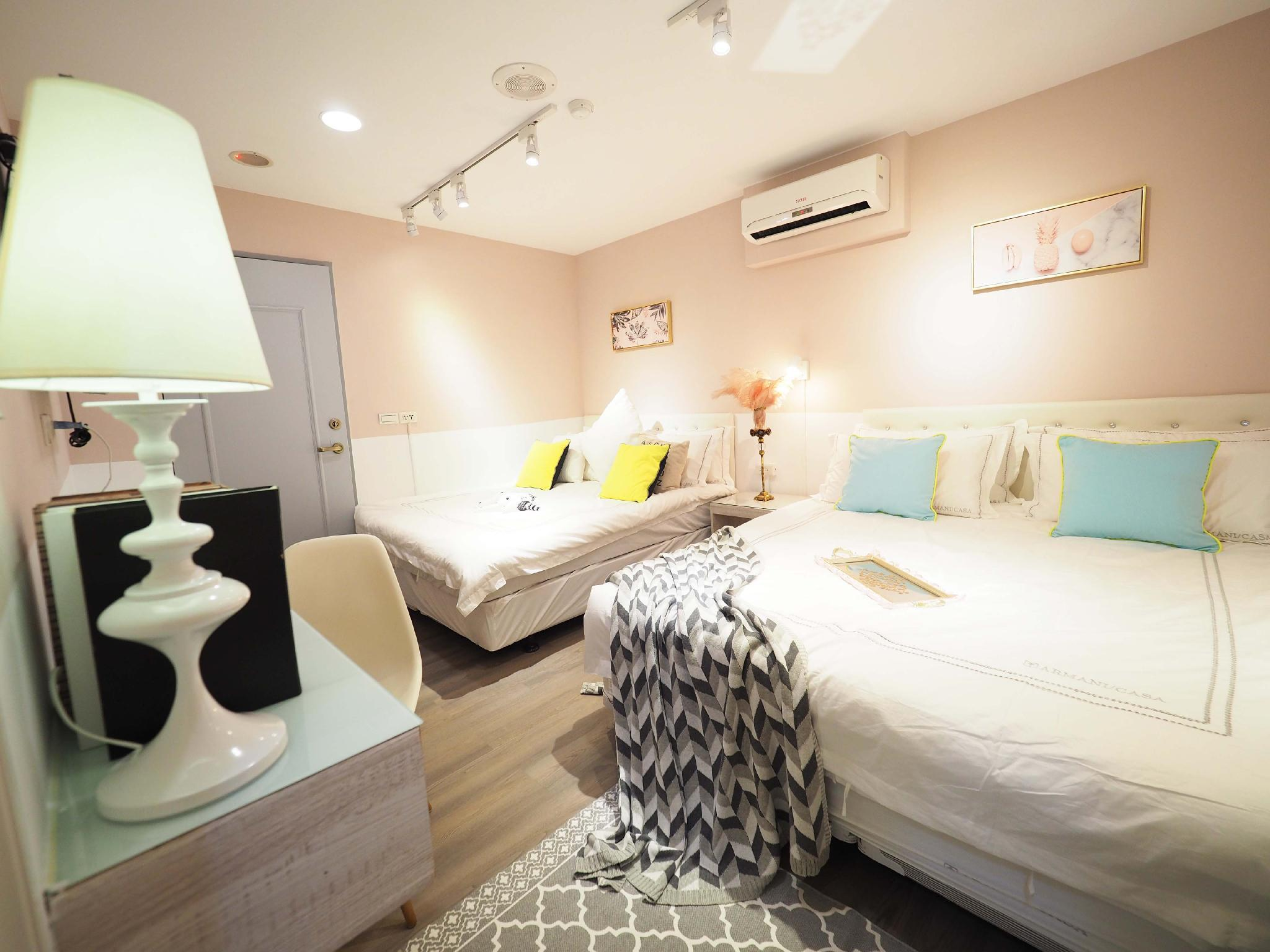 202 1 4 Person Room  Taipei Ximending MRT3MIN