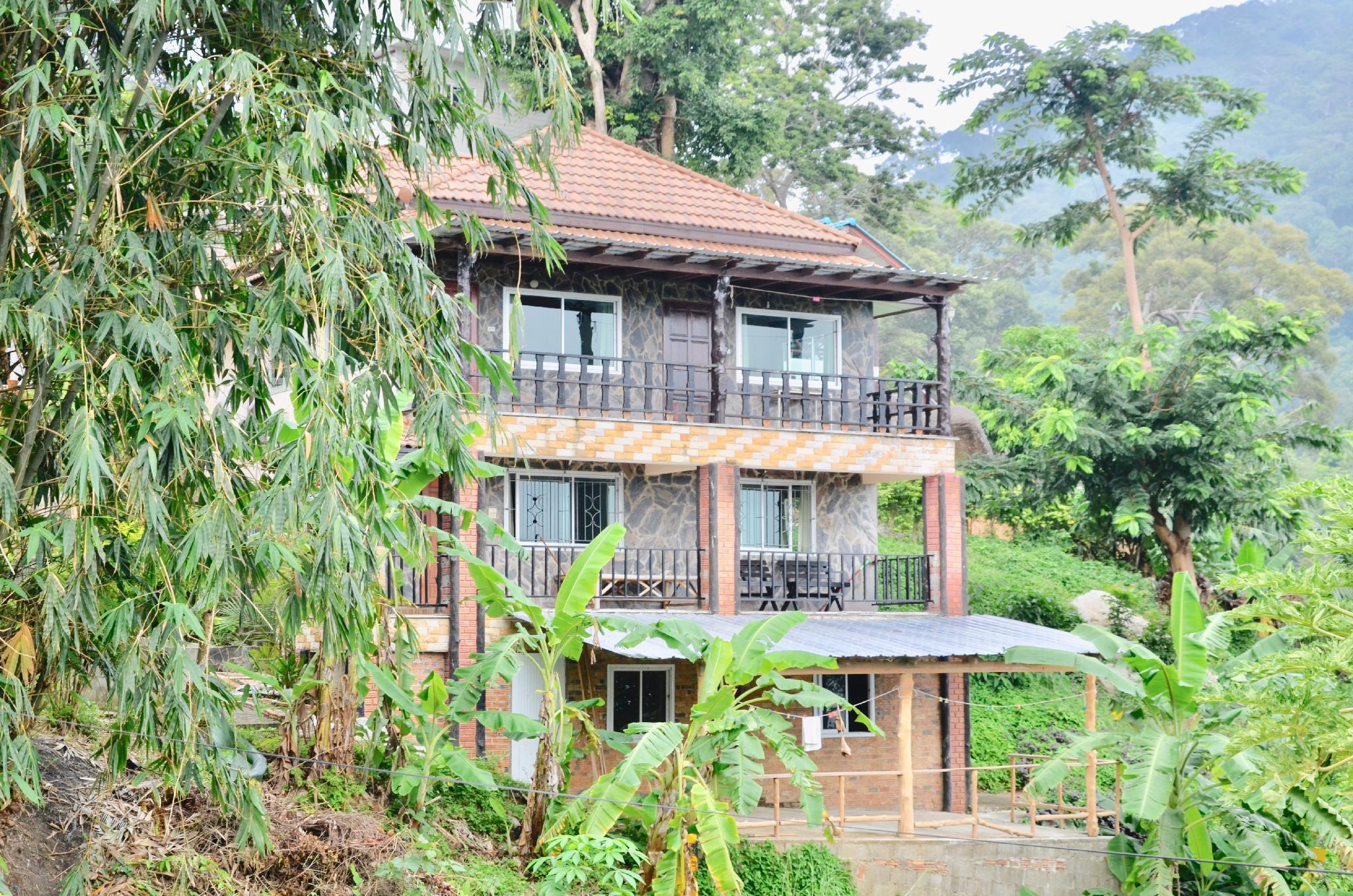 Phangan Party locate 3BDR View Point luxury Villa วิลลา 3 ห้องนอน 3 ห้องน้ำส่วนตัว ขนาด 200 ตร.ม. – บ้านมะเดื่อหวาน