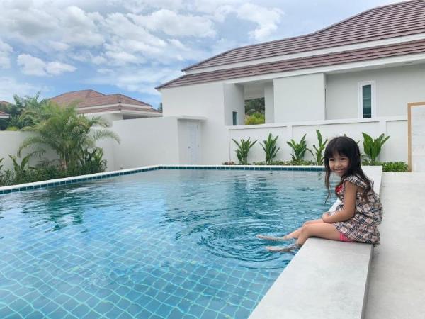 BRAND NEW  Luxury villa in a quiet neighborhood. Hua Hin