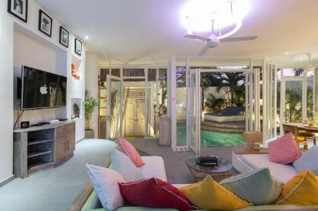 2/3 OFF* Modern Central Pvt. Villa w/ Pool&Parking