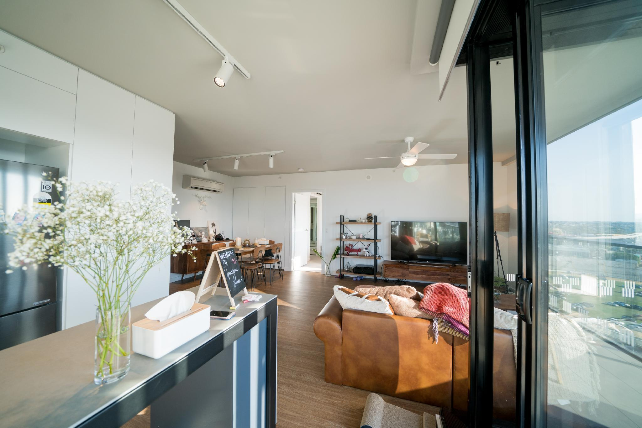 BOWENHILLS MOUNTAIN VIEW INS STYLE APARTMENT