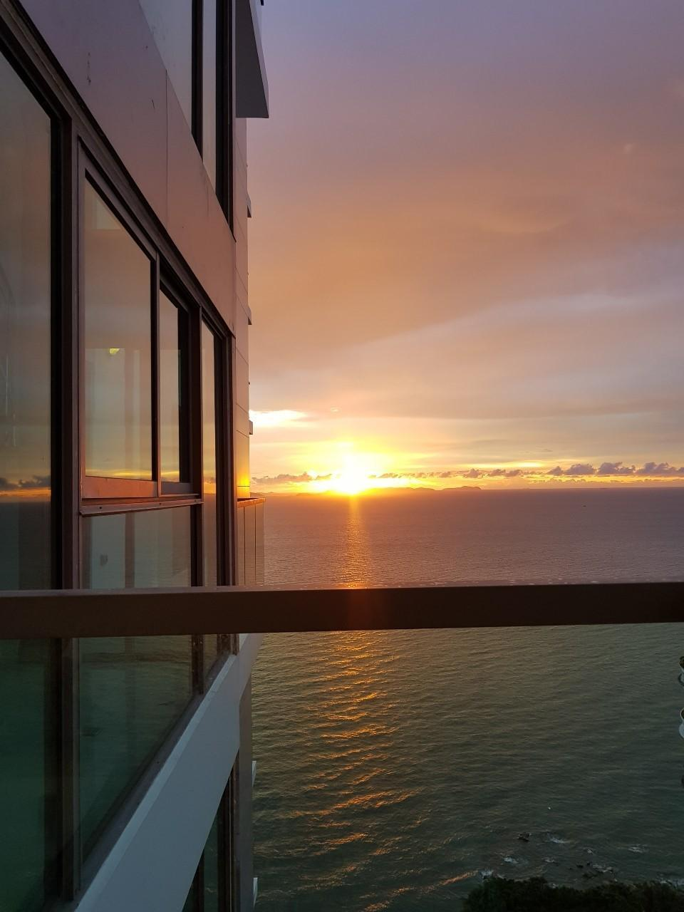 Beach Front Condo Sea View Wong Amat Tower