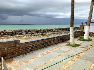 Amazing sea view beach house 702