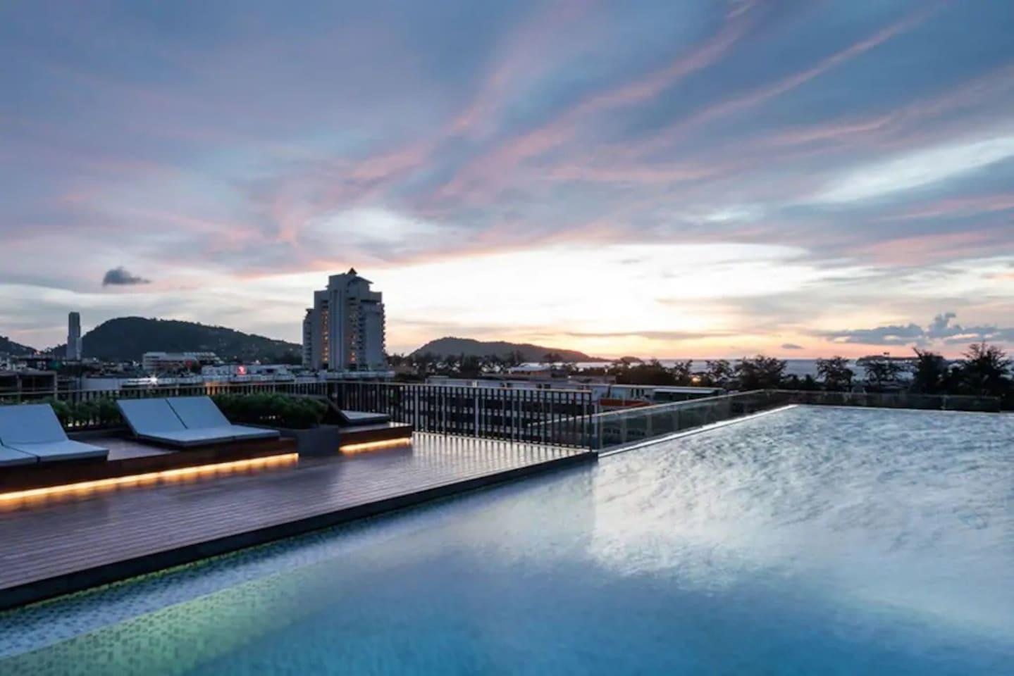 One bedroom   roof top pool at Patong Beach  D71