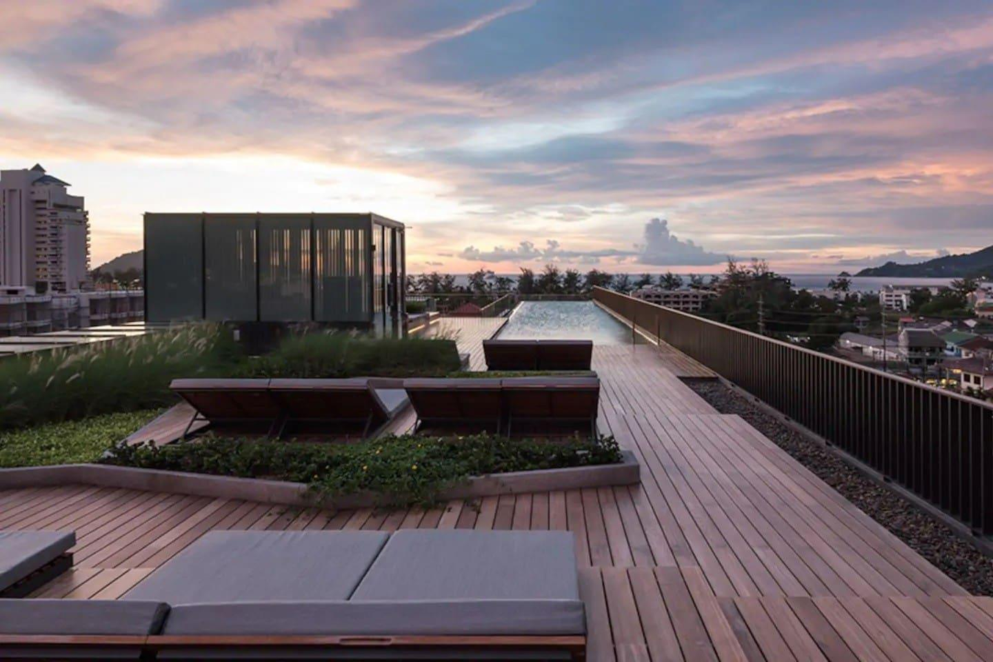 One bedroom   roof top pool at Patong Beach  D69